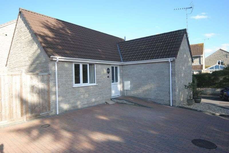 2 Bedrooms Detached Bungalow for sale in Polham Lane, Somerton