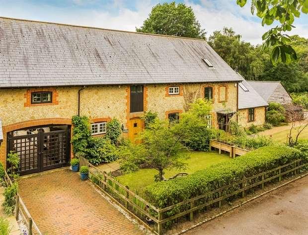 4 Bedrooms House for sale in Churt, Farnham, Surrey