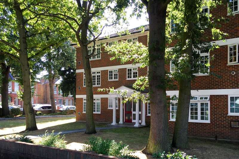 2 Bedrooms Apartment Flat for sale in Copper Beeches, 6,Witham Road, Isleworth