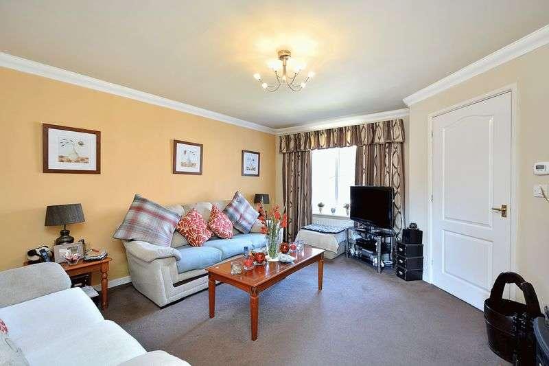 3 Bedrooms Semi Detached House for sale in Kentlea Road, Thamesmead, SE28