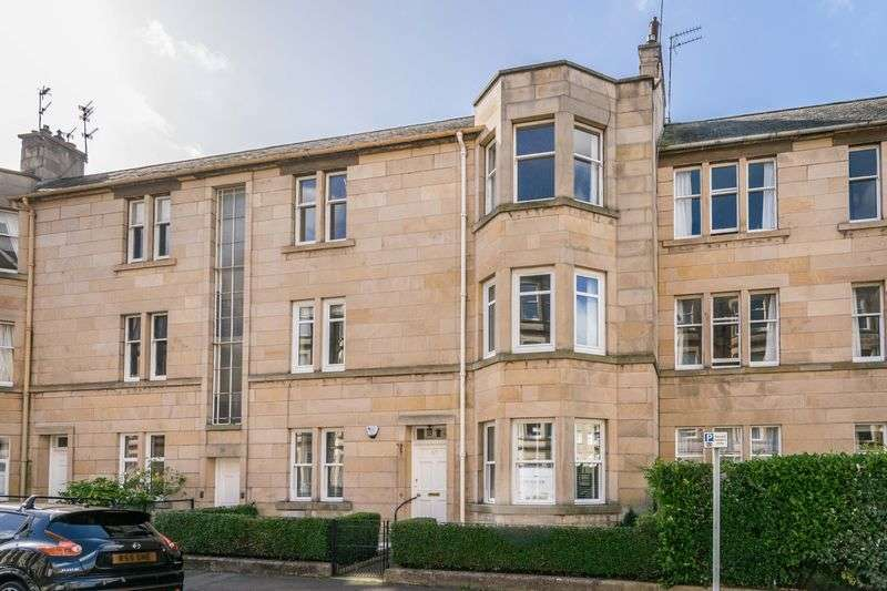 3 Bedrooms Flat for sale in 51/1 Learmonth Grove, Comely Bank, Edinburgh, EH4 1BX