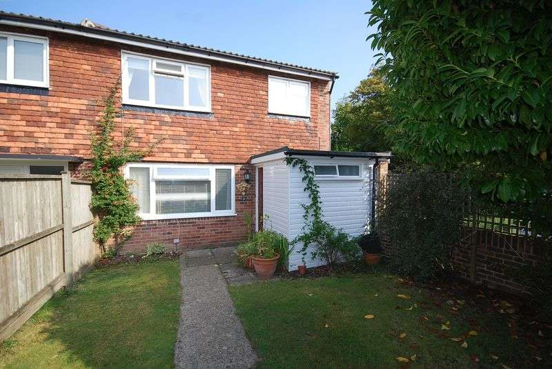 2 Bedrooms Detached House for sale in Saltwood