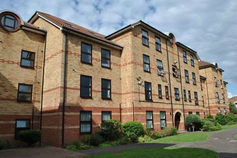 1 Bedroom Flat for sale in Forest Road, Walthamstow, E17