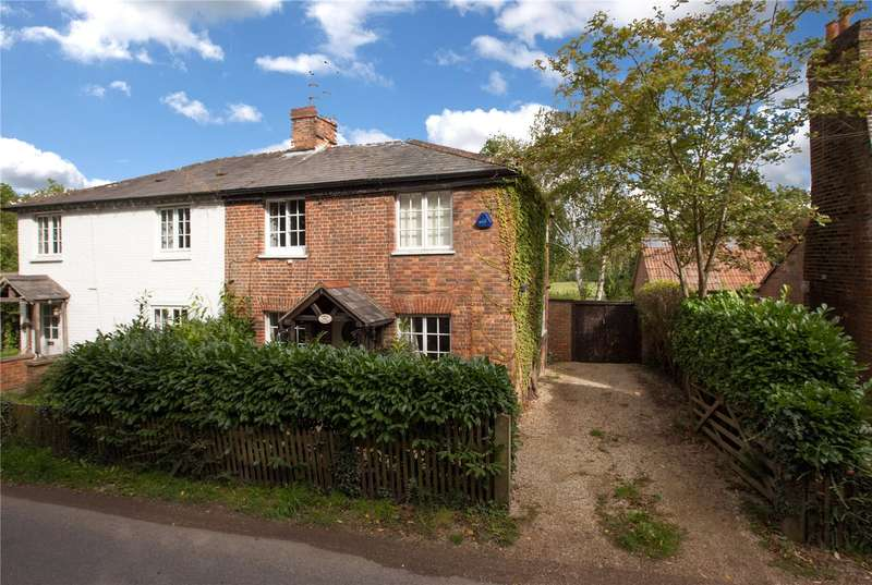 4 Bedrooms Semi Detached House for sale in Shurlock Road, Waltham St. Lawrence, Berkshire, RG10
