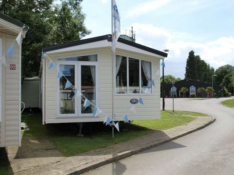 2 Bedrooms Mobile Home for sale in Regale Sanderson (CO16 9DH)