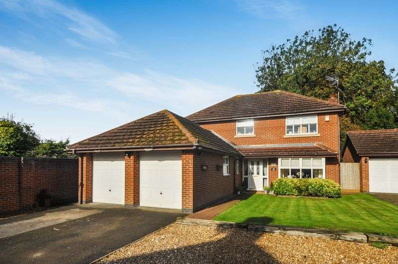 4 Bedrooms Detached House for sale in Price Close Bicester