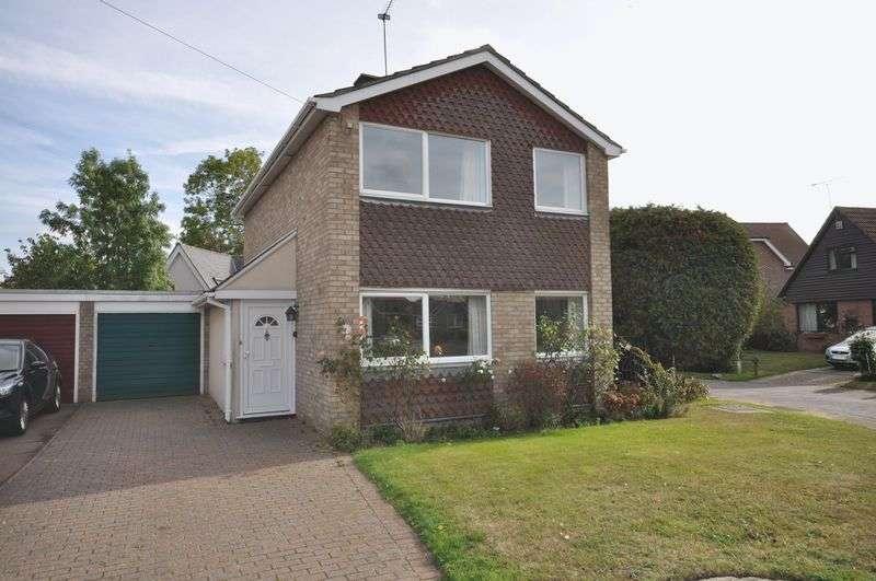 3 Bedrooms Detached House for sale in Cross Way, West Mersea