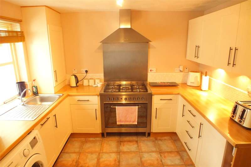 3 Bedrooms Terraced House for sale in School Gardens, Pennar, Pembroke Dock