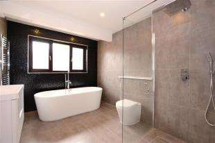 5 Bedrooms Detached House for sale in The Cedars, Peacehaven, East Sussex