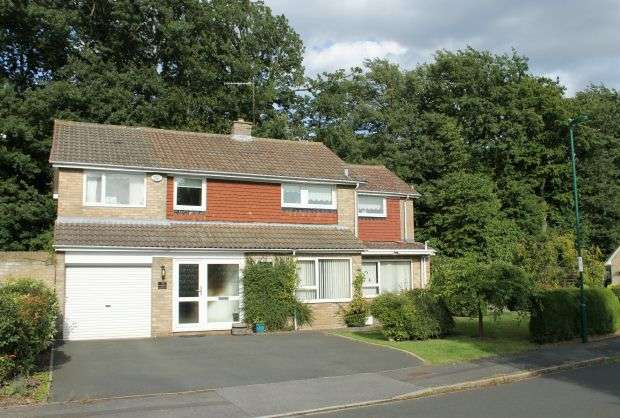 4 Bedrooms House for sale in Rosedale Crescent, Pine Hills, Guisborough