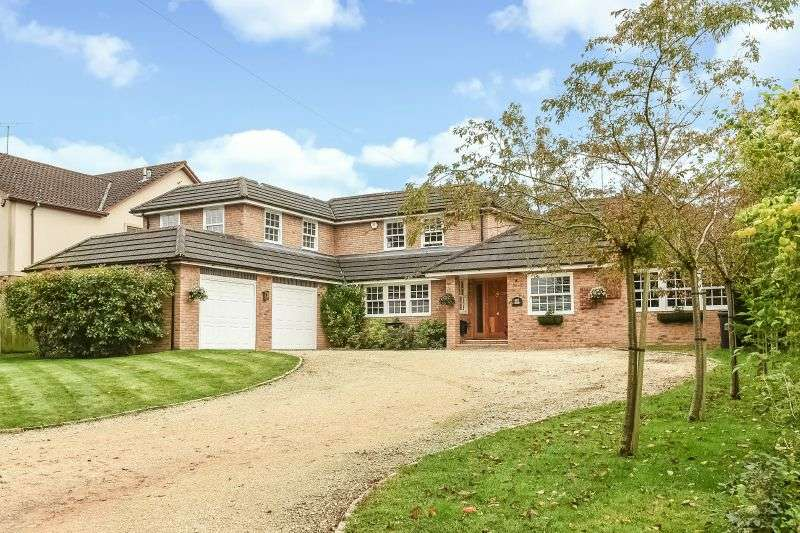 5 Bedrooms Detached House for sale in Chorleywood Road, Rickmansworth