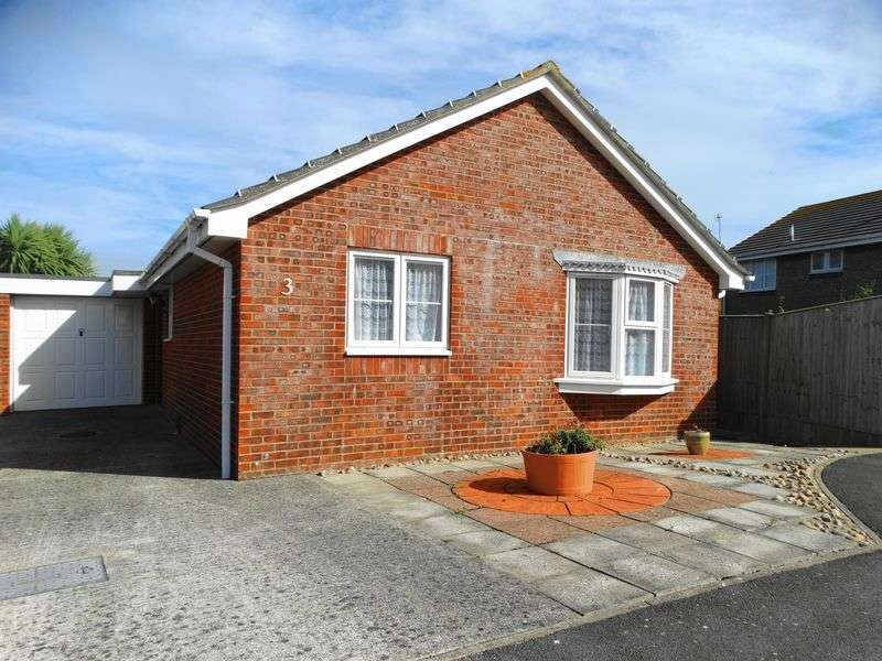 2 Bedrooms Detached Bungalow for sale in Blackberry Lane, Selsey