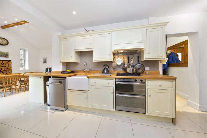 3 Bedrooms Semi Detached House for sale in Railway Cottages, Lonsdale Road, Weybridge, Surrey, KT13