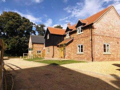 4 Bedrooms Detached House for sale in Holme Hale, Thetford, Norfolk