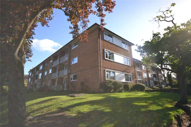 2 Bedrooms Apartment Flat for sale in Green Lawns, Moss Hall Grove, London, N12