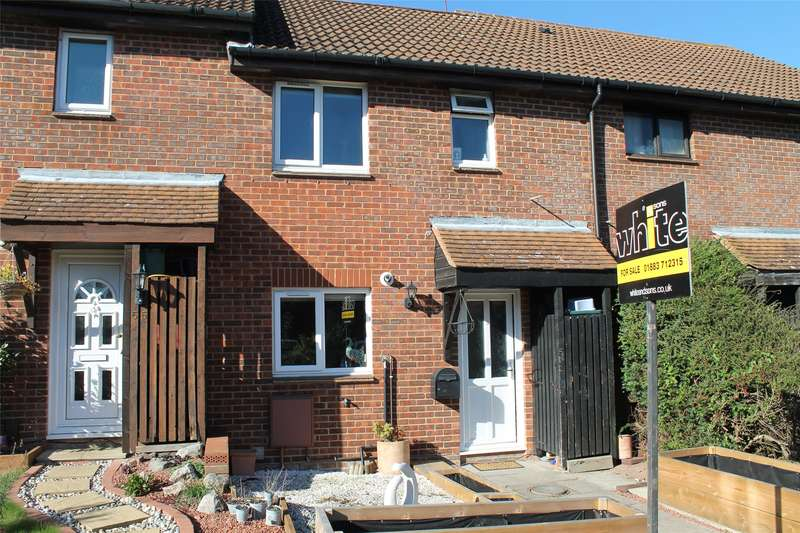 3 Bedrooms Terraced House for sale in Barnfield Way, Oxted, RH8