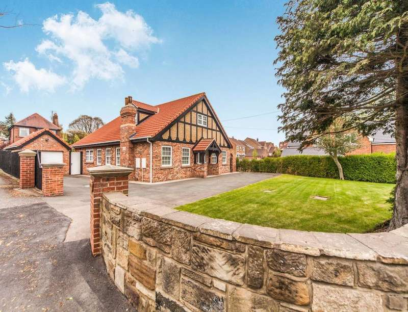 5 Bedrooms Detached Bungalow for sale in Middlesbrough Road, Guisborough, TS14