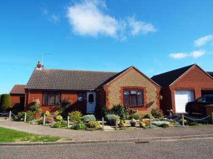 3 Bedrooms Bungalow for sale in Holt, Norfolk, England