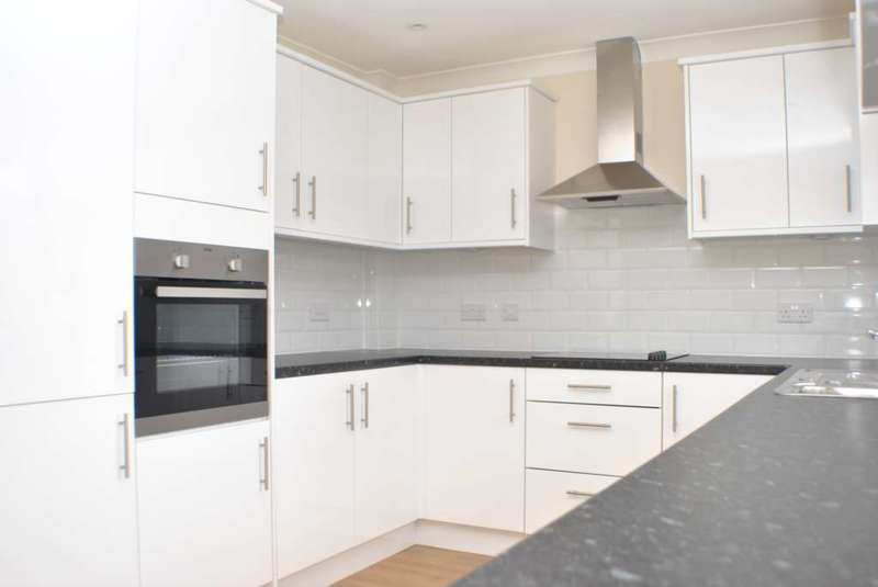 3 Bedrooms Semi Detached House for sale in Pilgrims Way, Canterbury