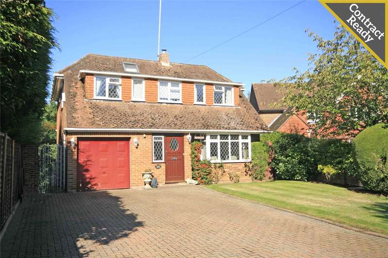 5 Bedrooms Detached House for sale in Dartnell Close, West Byfleet, Surrey, KT14
