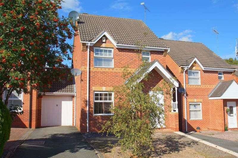 3 Bedrooms Detached House for sale in Congleton Close, Brockhill, Redditch, Worcestershire