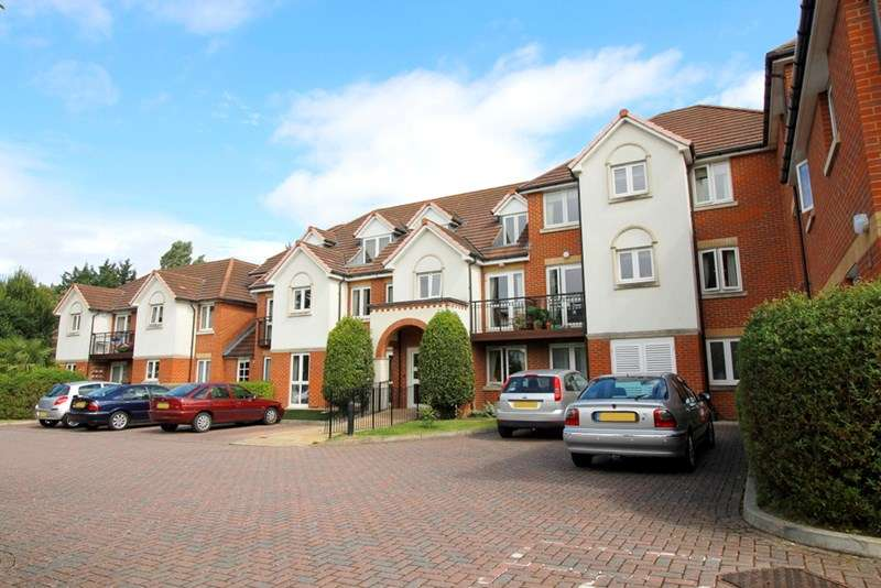 1 Bedroom Retirement Property for sale in Mead Court, Addlestone, KT15 2PR
