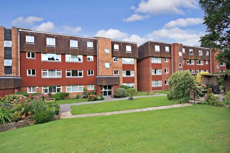 2 Bedrooms Retirement Property for sale in Broad Oak Coppice, Bexhill-on-Sea, TN39 4PU