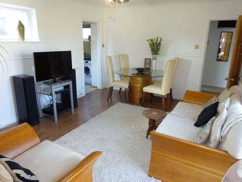 3 Bedrooms Semi Detached Bungalow for sale in Glenda Close, New Costessey, Norwich