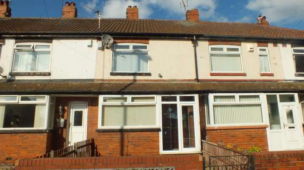 2 Bedrooms Terraced House for sale in Town Street, Beeston, Leeds, LS11