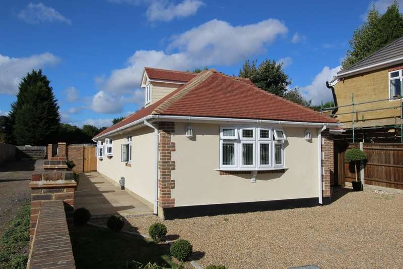 4 Bedrooms Detached Bungalow for sale in Woodcroft Ash Road, Hartley, Longfield, DA3
