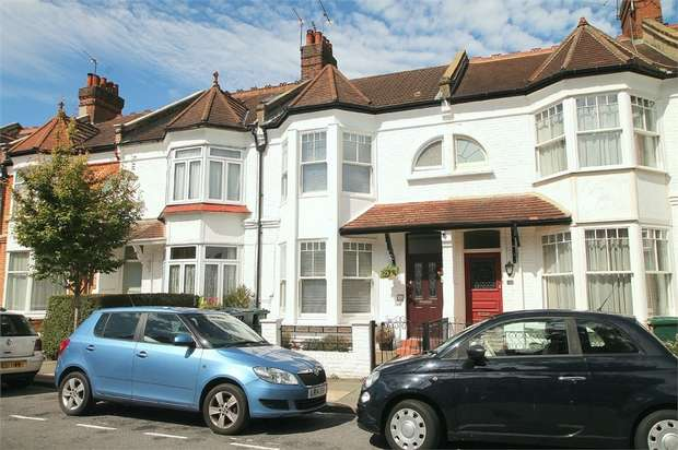 3 Bedrooms Terraced House for sale in Baronsmere Road, East Finchley, N2