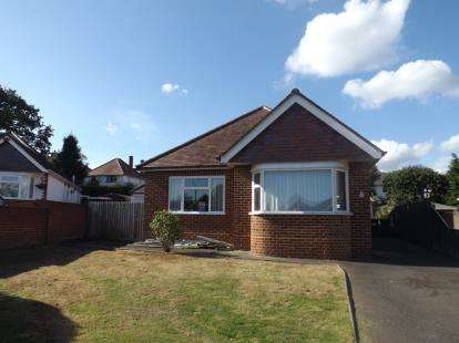 3 Bedrooms Bungalow for sale in Queens Park, Bournemouth, Dorset