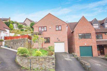 4 Bedrooms Detached House for sale in Parfitts Hill, Kingswood, Bristol