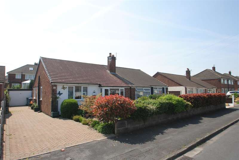 2 Bedrooms Bungalow for sale in Selworthy Drive, THELWALL, Warrington, WA4