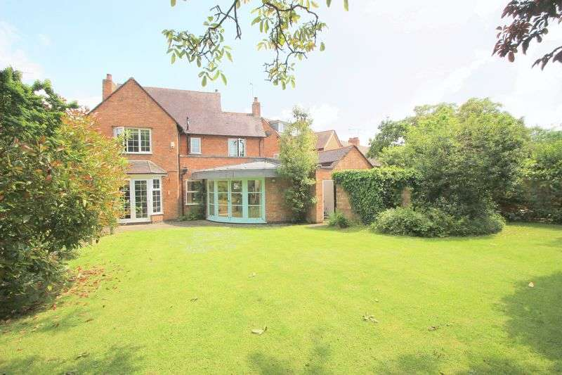 4 Bedrooms Detached House for sale in Albany Road, Stratford-Upon-Avon