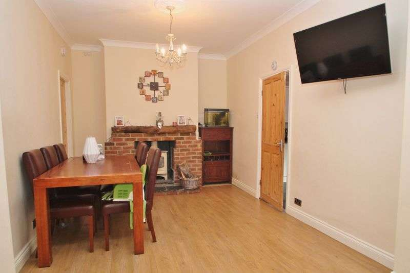 3 Bedrooms Semi Detached House for sale in Williams Avenue, Linthorpe