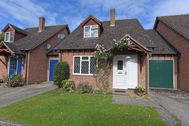 3 Bedrooms House for sale in Sarisbury Close, Tadley