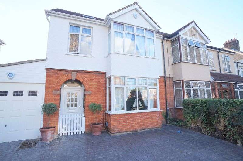 4 Bedrooms Semi Detached House for sale in Footscray Road, London, SE9 3TU