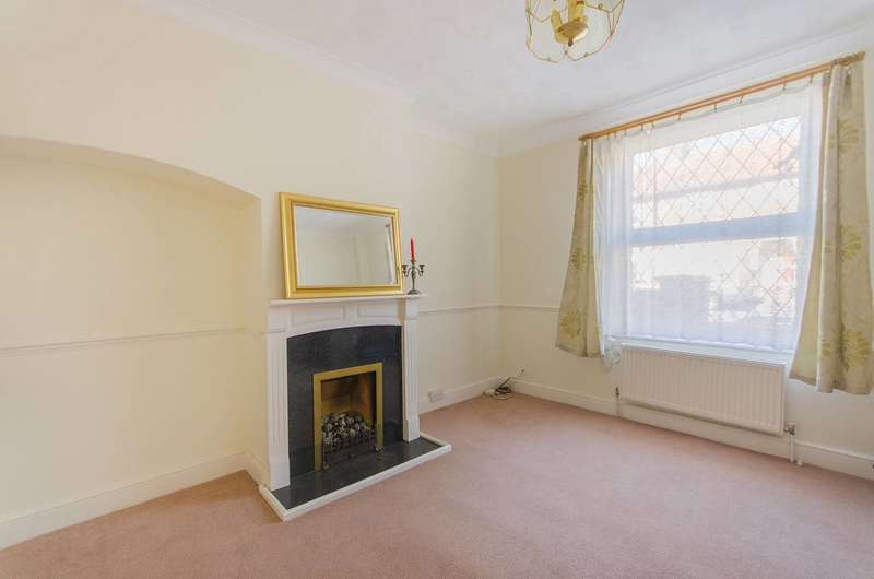 3 Bedrooms House for sale in Wrenthrope Road, Bromley, BR1