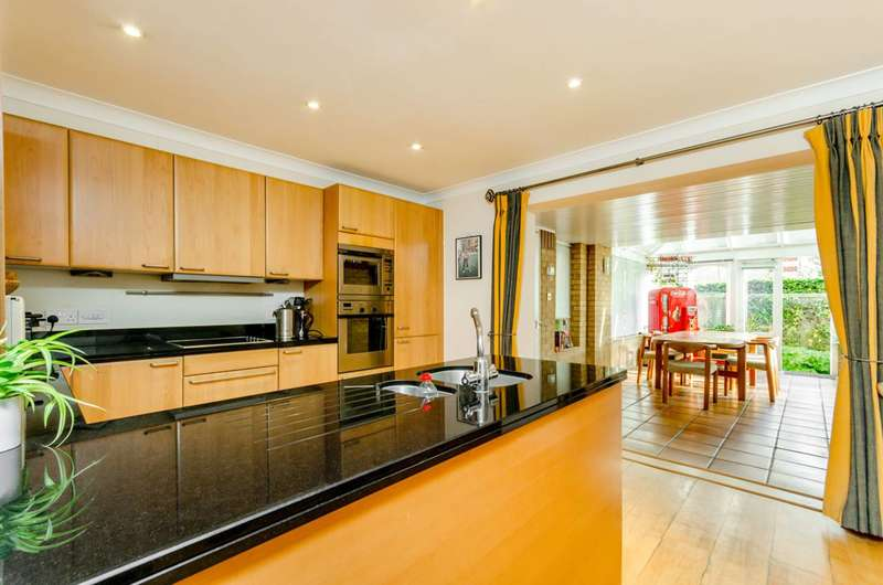 5 Bedrooms House for sale in Trinity Church Road, Barnes, SW13