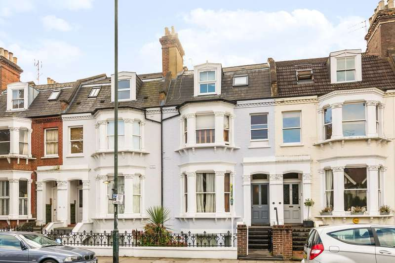 1 Bedroom Flat for sale in St Margarets Road, St Margarets, TW1