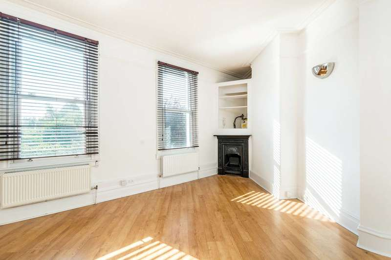 1 Bedroom Flat for sale in Richmond Road, St Margarets, TW1