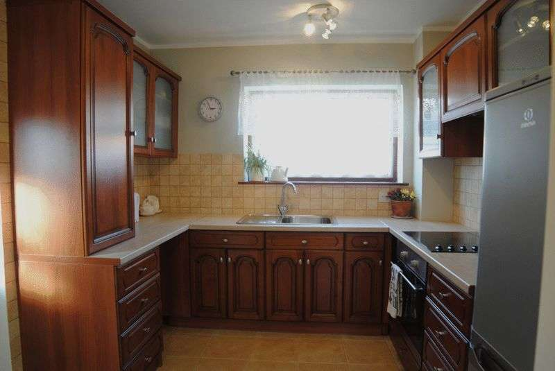 3 Bedrooms Semi Detached House for sale in Chilworth Grove, Blurton, Stoke-On-Trent, ST3 3ED