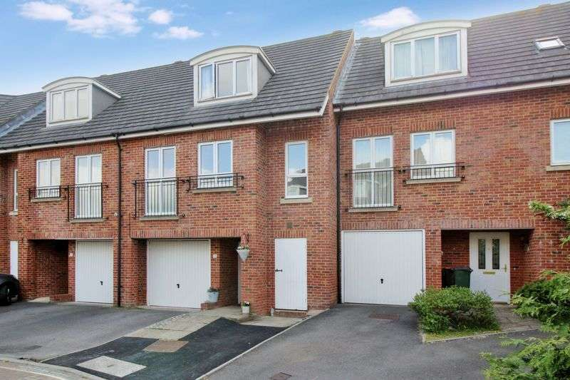 3 Bedrooms Terraced House for sale in West Green