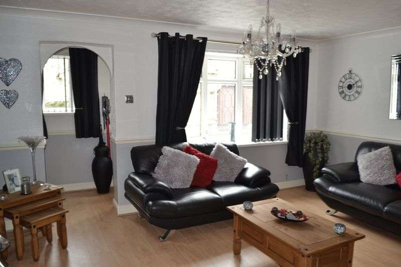 3 Bedrooms Semi Detached House for sale in Yardley Way, Grimsby