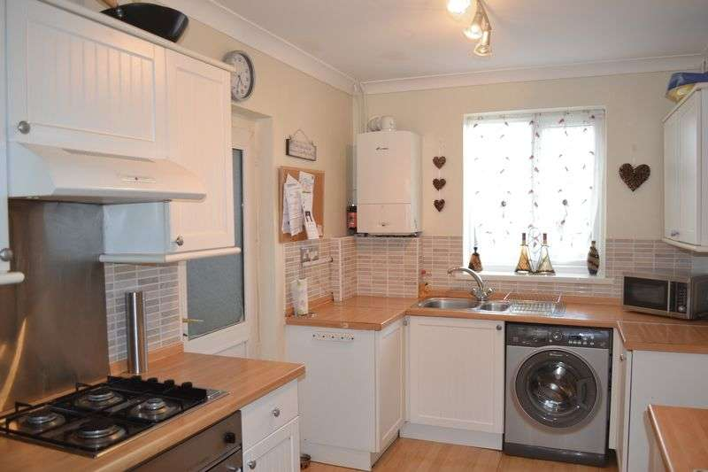3 Bedrooms Semi Detached House for sale in Kent Road, Brookenby