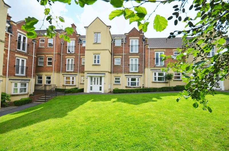 2 Bedrooms Flat for sale in 65 Whitehall Green, Leeds, LS12