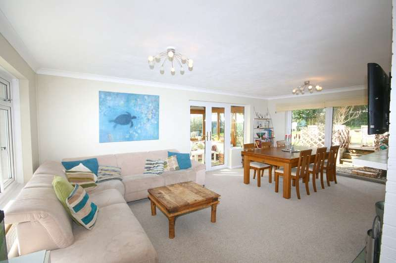 4 Bedrooms Bungalow for sale in Chantry, Vicarage Road, Blackawton, Totnes