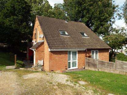 1 Bedroom Terraced House for sale in Pennycress Close, Haydon Wick, Swindon, Wiltshire