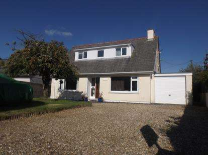 4 Bedrooms Bungalow for sale in Redruth, Cornwall